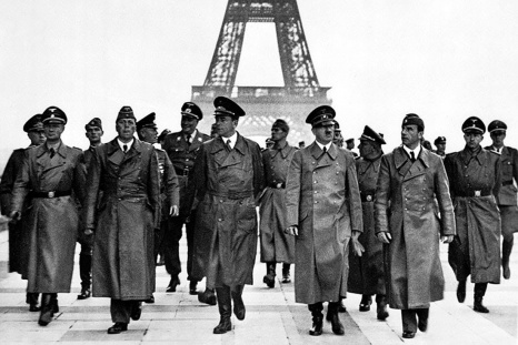 Hitler in Paris.jpg